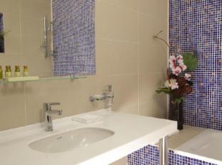 Ramada Moscow Domodedovo Hotel Moscow - Bathroom