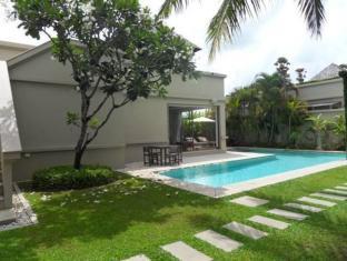 Bangtao Private Villas Phuket - Pool & Garden