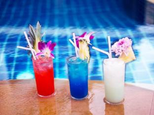 Renoir Boutique Hotel Phuket - Pool bar