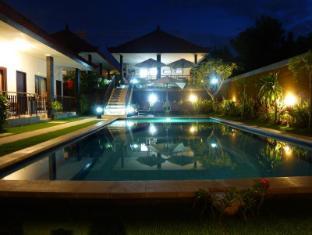 峇里普里哈蘇酒店 峇里 - 游泳池