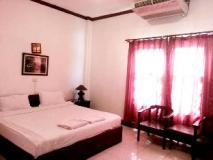Phisitxay Hotel: guest room