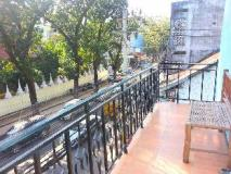 Mixok Guesthouse: balcony/terrace