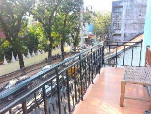 Mixok Guesthouse Vientiane - Balcony/Terrace