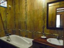 Hoxieng Guesthouse 2: bathroom