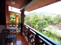 Hoxieng Guesthouse 2: balcony/terrace