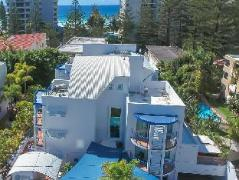 Surfers Beach Resort II Australia