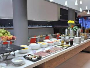 Park Inn by Radisson Foreshore Cape Town Cape Town - Buffet