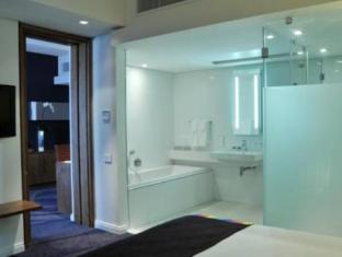 Park Inn by Radisson Foreshore Cape Town Cape Town - One Bedroom Suite - Bathroom