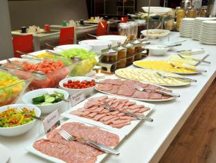 Park Inn by Radisson Foreshore Cape Town Cape Town - Breakfast Buffet