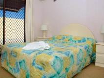 Grangewood Court Holiday Apartment: guest room
