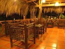 Vietnam Hotel Accommodation Cheap   pub/lounge