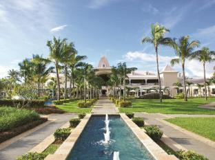 /sugar-beach-resort-spa/hotel/mauritius-island-mu.html?asq=5VS4rPxIcpCoBEKGzfKvtBRhyPmehrph%2bgkt1T159fjNrXDlbKdjXCz25qsfVmYT