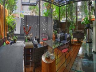 Homestyle Hotel Kuala Lumpur - Outdoor living lounge