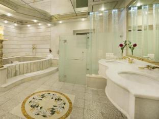Golden Tulip Al Thanyah Hotel Apartment Dubai - Bathroom