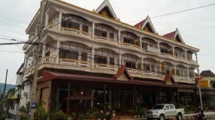/champa-hotel/hotel/pakse-la.html?asq=jGXBHFvRg5Z51Emf%2fbXG4w%3d%3d