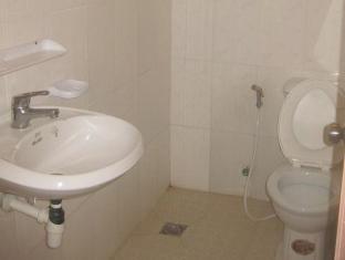 Modern City Hotel Phnom Penh - Bathroom