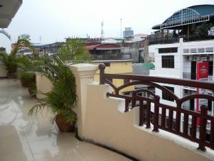Modern City Hotel Phnom Penh - Terrace