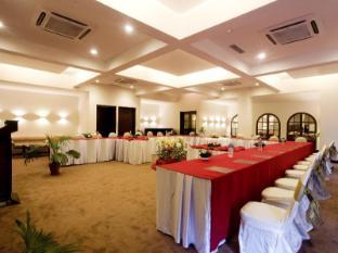 Hotel Shangri-La Kathmandu - Baithak Hall