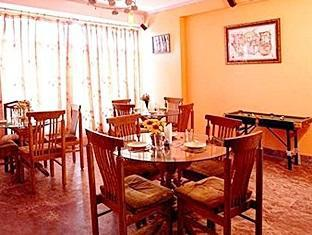 Hotel Western Queen New Delhi and NCR - Dinning Area