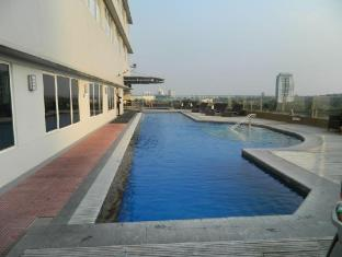 Acacia Hotel Manila Manila - Swimming Pool