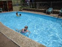 Anchorbell Holiday Apartments: swimming pool