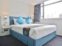 Hotel LBP: guest room