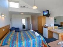 A Great Ocean View Motel: guest room