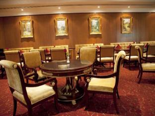 그랜드 엑셀시어 호텔 알 바르샤 두바이 - 식당