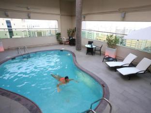 Ramada Downtown Abu Dhabi Abu Dhabi - Swimming Pool