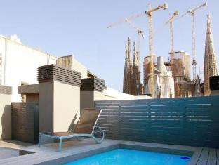 Sensation Sagrada Familia Apartments Barcelona - Swimming Pool