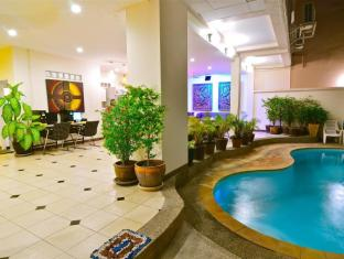 Squareone Phuket - Pool