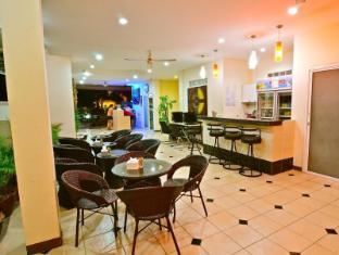 Squareone Phuket - Lobby
