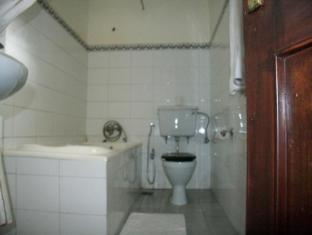 Arcadia Apartment Hotel Kathmandu - Bathroom