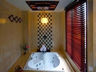 Long Life Riverside Hotel Hoi An - Bathroom
