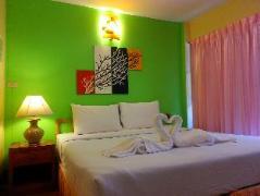 Nilawan Guesthouse | Thailand Cheap Hotels