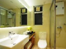 Apartment Kapok: bathroom