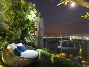 Silverland Jolie Hotel & Spa Ho Chi Minh City - Out Door Jacuzzi Pool