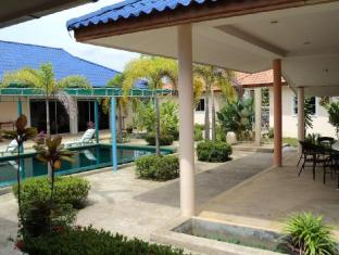 Udom Bungalow Phuket - Swimming Pool