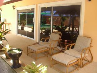 Udom Bungalow Phuket - Balcony/Terrace