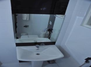 Anna Shanthi Villa Kandy - Bathroom