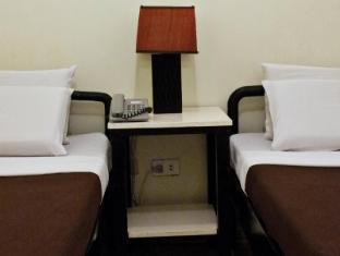 Viajeros Economy Inn Davao City - חדר שינה