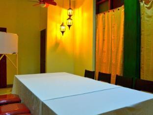 Las Casitas de Angela II Davao - Salle de réunion
