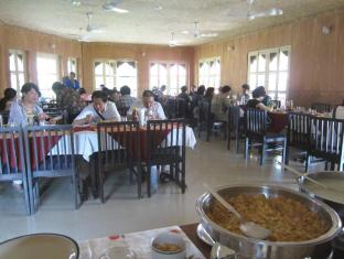 Hotel Wild Life Camp Chitwan - Restauracja
