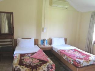 Hotel Wild Life Camp Chitwan - Gästezimmer