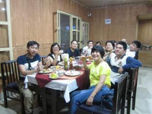 Hotel Wild Life Camp Chitwan - रेस्त्रां