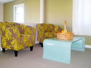 Golden Grove Hotel B&B Sydney - Suite Lounge Area