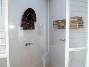 Golden Grove Hotel B&B Sydney - Bathroom