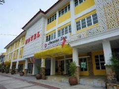 Arwana Inn Tok Bali | Malaysia Hotel Discount Rates
