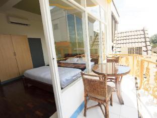 iHouse-New Hotel Vientiane - Balcony Deluxe