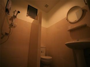 Panpen Bungalow Phuket - Bathroom